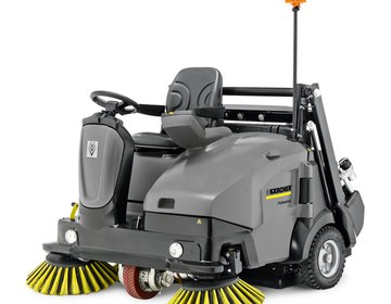 VACUUM SWEEPER KM 125/130 R Bp (with AGM Batteries)